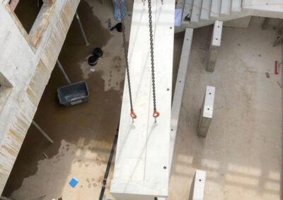 Montage der Sichtbetonteile, Neubau Pfrimmtalschule